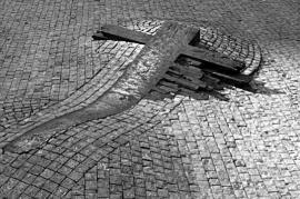 Jan Palach, il monumento che ricorda il sacrificio (foto di Viktor Portel pubblicata su janpalach.eu)