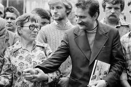 Anna Walentynowicz e Vaclav Havel durante gli scioperi ai cantieri di Danzica