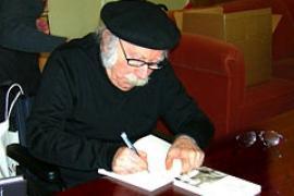 L'autore (Foto da Wikipedia)