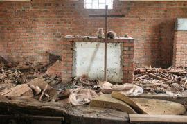 Genocidio del Ruanda, distruzione in una chiesa (fonte Wikicommons)