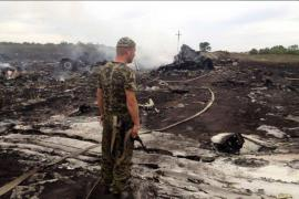 Foto dei resti del Boeing della Malaysia Airline precipitato