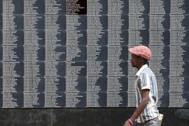 I nomi delle vittime del genocidio scritte al memoriale di Gisozi