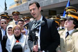 Bashar al-Assad in un'apparizione pubblica in una scuola a Damasco