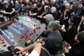Turchi e armeni da ogni parte del mondo celebrano l'anniversario del genocidio armeno, Istanbul, aprile 2010