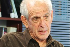 Il professor Yair Auron