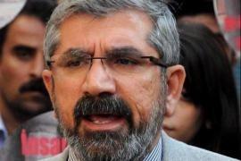 L'avvocato curdo Tahir Elçi, difensore dei diritti umani, ucciso a Diyarbakir