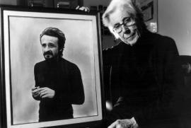Felicia Impastato con un ritratto del figlio Peppino