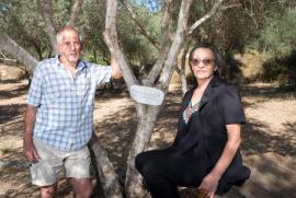 Yair Auron e Dyana Rizek nel Giardino dei Giusti di Neve Shalom