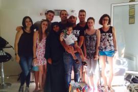 Hamza, la sua famiglia e i ragazzi salvati