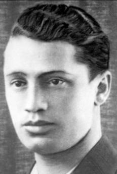 """Il partigiano Tuvia Bielski, ebreo, che salvò centinaia di ebrei ed è stato immortalato nel film """"Defiance"""""""