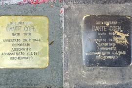 La pietra d'inciampo di Dante Coen, prima e dopo il danneggiamento