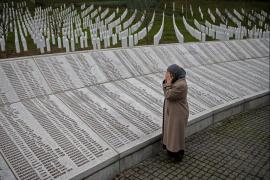Il pianto di una delle vedove di Srebrenica