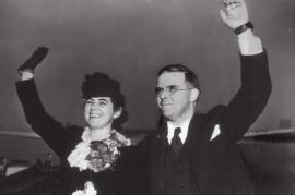 Martha e Waitstill Sharp alla partenza dagli USA per l'Europa
