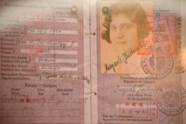 Uno dei passaporti cinesi forniti agli ebrei in fuga dall'Europa