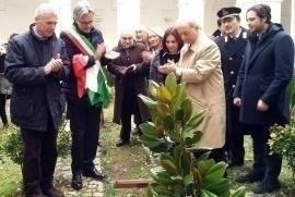 L'inaugurazione del Giardino dei Giusti di Campagna, in onore di Giorgio Perlasca e Giovanni Palatucci.