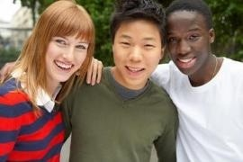Giovani di diversi Paesi