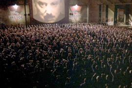 """I due minuti d'odio del film """"1984"""" di Michael Radford, tratto dal libro di George Orwell"""