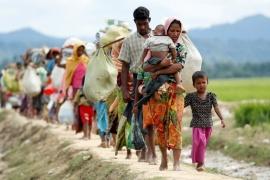 I rifugiati Rohingya verso i campi profughi in Bangladesh.