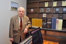 Randolph L. Braham nel suo studio