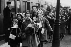 L'arrivo di un Kindertransport a Londra nel febbraio 1939