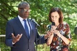 Denis Mukwege con Anna Pozzi al Giardino di Milano