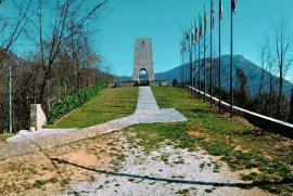 monumento in memoria delle vittime dell'eccidio del 12 agosto 1944