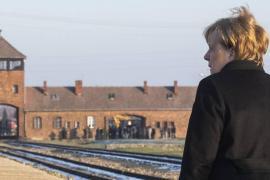 La cancelliera Angela Merkel ad Auschwitz