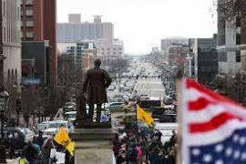 Dimostranti in Michigan nel mesi di aprile