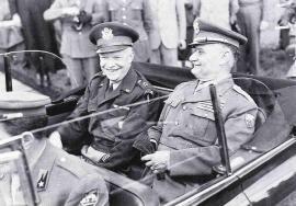 Il Gen. de' Castiglioni (a destra) insieme al Gen. americano Dwight D. Eisenhower (a sinistra)