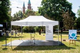 Immagine di una cerimonia al Giardino di Varsavia