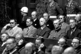Hermann Göring, Rudolf Hess, Joachim von Ribbentrop, Wilhelm Keitel, Ernst Kaltenbrunner e Alfred Rosenberg durante il processo di Norimberga