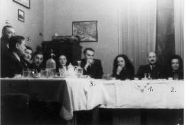 Franco Sopianac con alcuni ebrei salvati