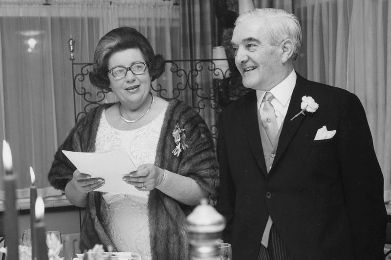 Insieme al marito Anthonie Pieter, nascose numerose famiglie ebree all'interno del loro club sportivo