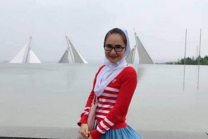 Mihriay Erkin, la nipote dell'attivista uiguro Abduweli Ayup, morta in circostanze misteriose nello Xinjiang.