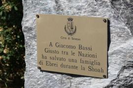 Targa per Giacomo Bassi (Foto per gentile concessione di Roberta Miotto)