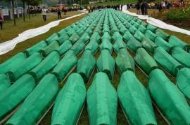 Tombe dei morti di Srebrenica (fonte Wikicommons)
