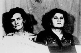 Léonie Duquet e Alice Domon fotografate alla ESMA durante la loro prigionia