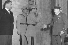 Teheran 1943. incontro tra lo Scià e Winston Churchill (da Wikicommons)