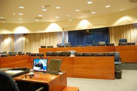 Interno del Tribunale (Foto di klaasjan/ Flickr CC)