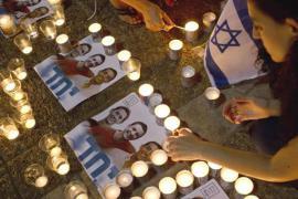 Commemorazioni per i tre ragazzi israeliani (AFP)