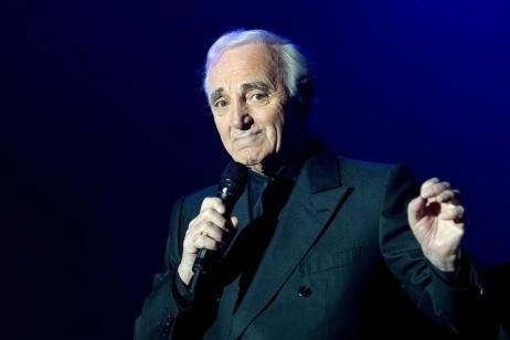 Charles Aznavour e l'omaggio tardivo alla famiglia