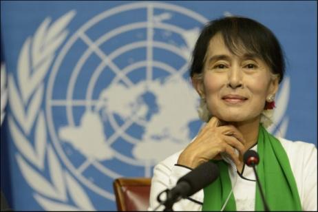 Aung San Suu Kyi annuncia un maggiore impegno per i rohingya