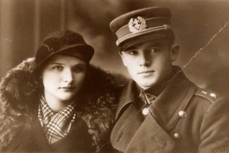 La donna che accusa il proprio nonno, 'eroe' della Lituania, di sterminio nella Shoah