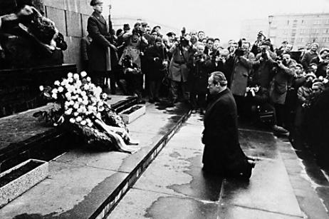 Willy Brandt a Varsavia, un gesto che segnò la storia