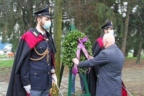 Il questore di Milano Petronzi visita il Giardino in ricordo di Giovanni Palatucci