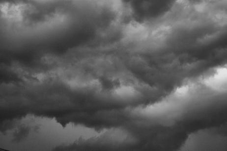 Una nuvola grigia