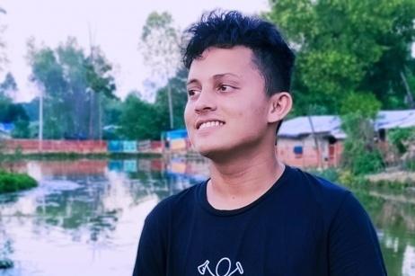 Nur, il poeta che dà voce ai rohingya