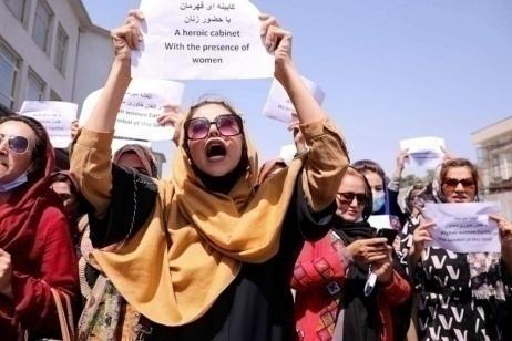 """""""I politici afghani ci hanno tradito, ma la resistenza delle donne ci restituisce speranza"""""""