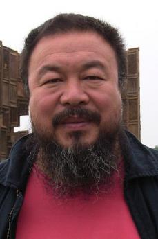 L'artista cinese Ai Weiwei (fonte Wikicommons, utente Hafenbar)