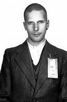 Klaas Faber quand'era detenuto nei primi anni '50 (foto segnaletica della polizia olandese)